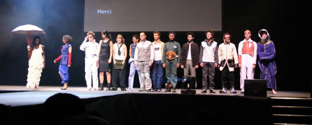 """Défilé """"Atelier Clandestin"""", collaboration avec Pomme Z, Biennale internationale de Design de St Etienne 2006"""
